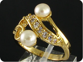 2x6mm White Cultured Pearl White Topaz Gold Ring