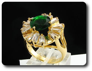 10mm Green Emerald Round Cut Gold Ring