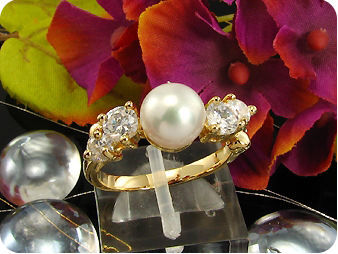 8mm White Fresh Water Pearl Round Cut Gold Ring