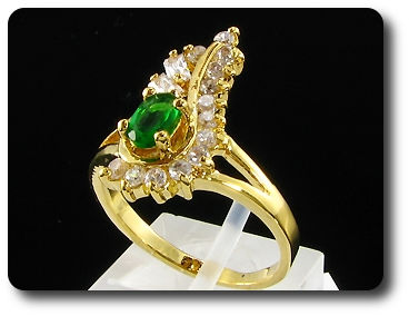 6mm Green Emerald Oval Cut Gold Ring