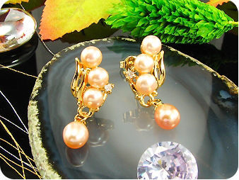 8~5mmx 8 Creamy Fresh Water Pearl Round Gold Earrings