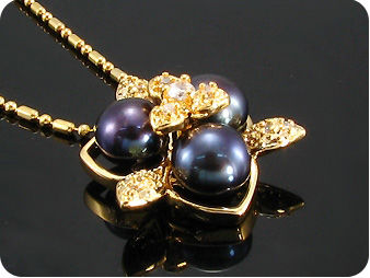 3x8mm Black Fresh Water Pearl Topaz Gold Pendant