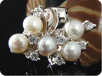 10x4mm White Fresh Water Pearl Round Cut Earrings