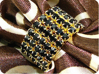 90x3mm Black Sapphire Dancing Party Gold Canival Ring