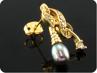 2x7mm Black Fresh Water Pearl Topaz Oval Gold Earrings