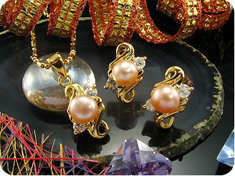 3x7mm Creamy Pearl Topaz Gold Pendant Earrings Set