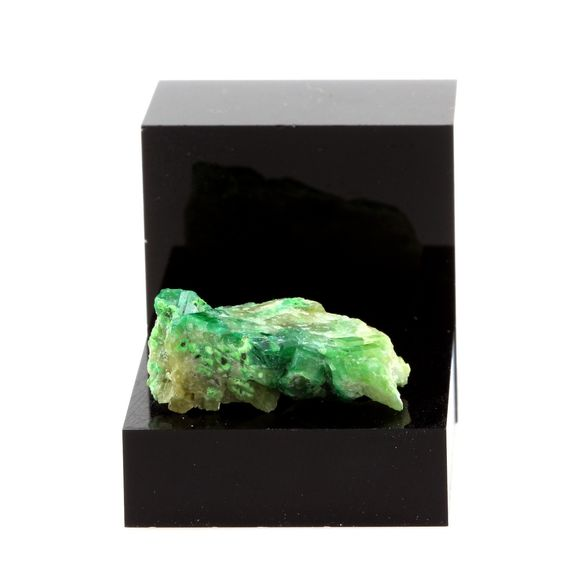 Vésuvianite Chromifère. 15.10 ct.