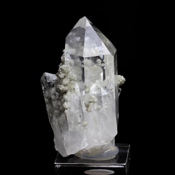 Quartz + Cookéite. 106.2 ct.