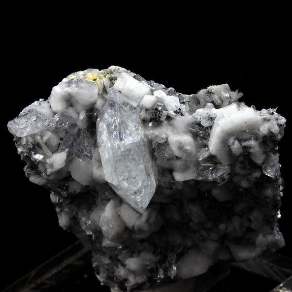 Goshenite, Muscovite. 129.5 ct.