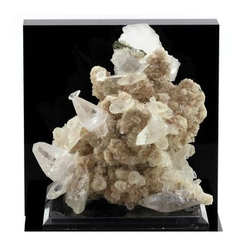 Calcite. 2270.1 ct.