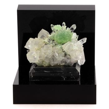 Prehnite, Calcite, Quartz. 531.9 ct.