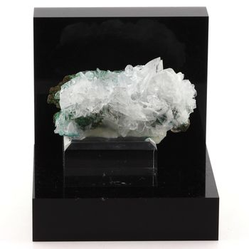 Rosasite + Calcite. 459.2 ct.