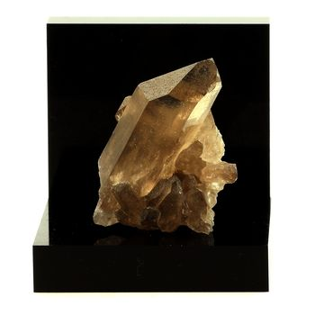 Quartz fumé. 138.3 ct.
