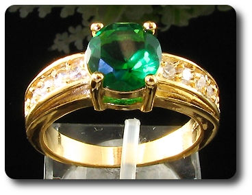 8mm Green Emerald Ring
