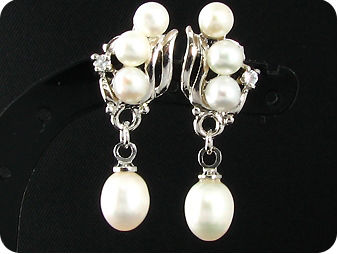 8~5mmx8 White Fresh Water Pearl Earrings