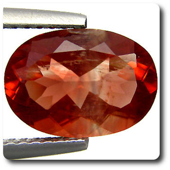 2.28 cts  ANDESINE ROUGE . VS