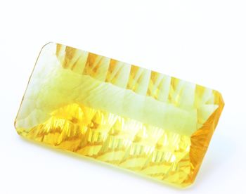 16.20 CT. NATURAL YELLOW FLUORITE. VVS1