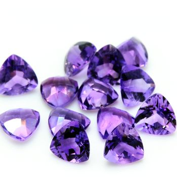 PURPLE AMETHYST .Triangle . VVS1 ( 1 piece )