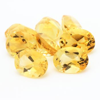 YELLOW CITRINE. Oval - VVS1 ( 1 piece )