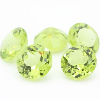 GREEN PERIDOT. round . IF-VVS1 ( 1 piece )