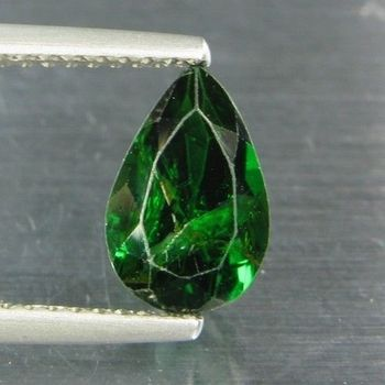 1.56 CT. CHROME TOURMALINE. VVS