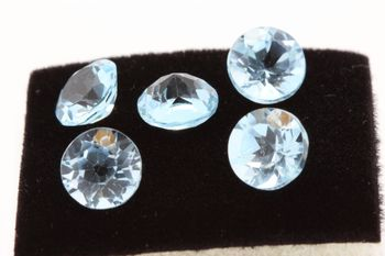 SKY BLUE TOPAZ. Round . IF - VVS1 ( 1 piece )
