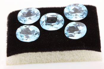 SKY BLUE TOPAZ. Oval . IF - VVS1 ( 1 piece )