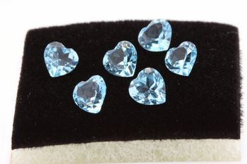 SKY BLUE TOPAZ. Heart. IF - VVS1 ( 1 piece )