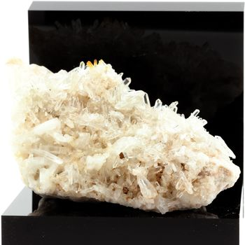 Quartz, Siderite. 1795.3 ct.