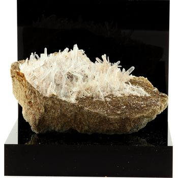 Quartz, Siderite. 1335.7 ct.