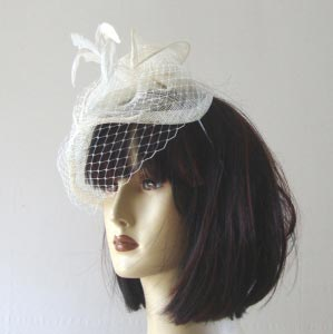 Wedding hat small with veil and feathers
