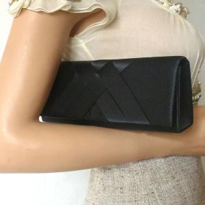 Evening bag in black satin