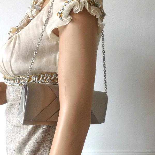 A darling clutch - light brown satin