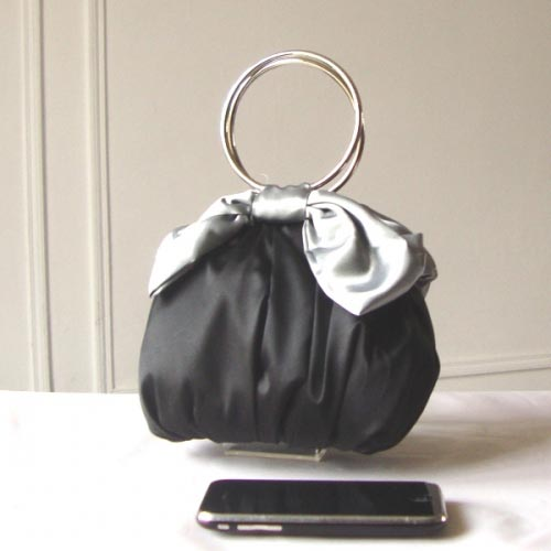 Bracelet evening bag black