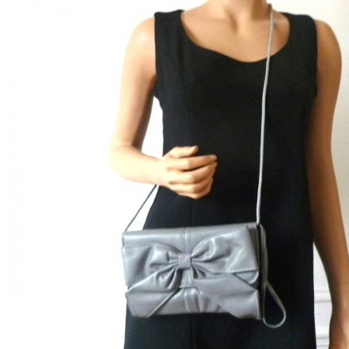 Silver, middle grey or black clutch for the evening or the day!
