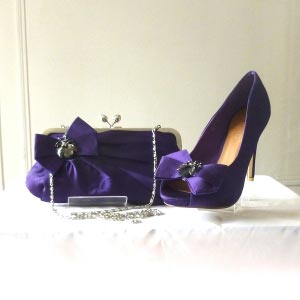 Purple satin shoes with bee