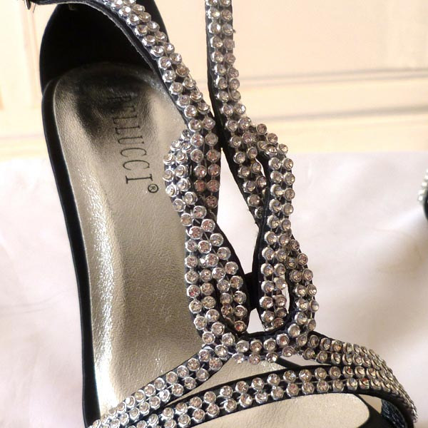 Black evening shoes with rhinestones