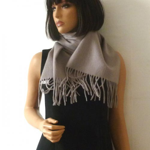 "Scarf ""pretty"" plain cashmere and wool"