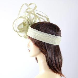Extraordinary headband almond green