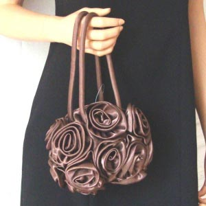 Wholesale/batch selling of 12 purses