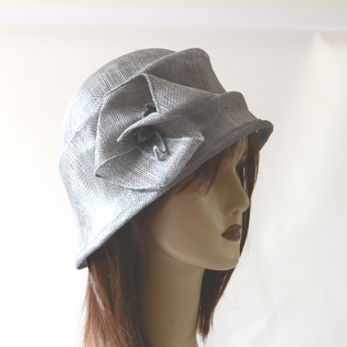 Sinamay cloche hat - 2 colours : grey or turquoise