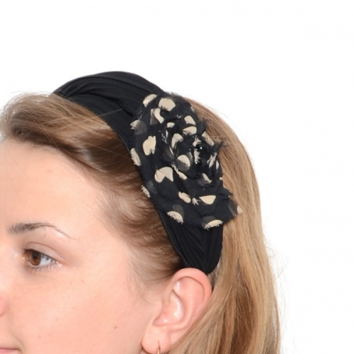 Formal or not, this headband can be worn on formal or unformal occasions