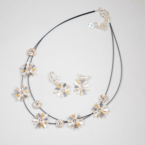 "Collier de la collection IKITA modèle ""Marguerite"""