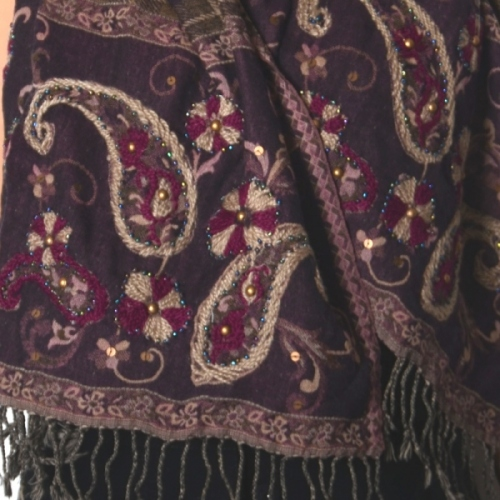 Large shawl with paisley embroidery