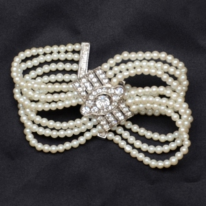 Pearls bracelet 6 rows
