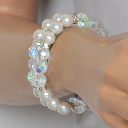 Bracelet pearls and cristal