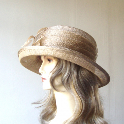 Pretty sinamay wedding hat : 2 colours