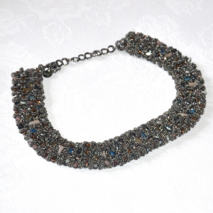 Ovely MOON necklace - dark grey with coloured pearls