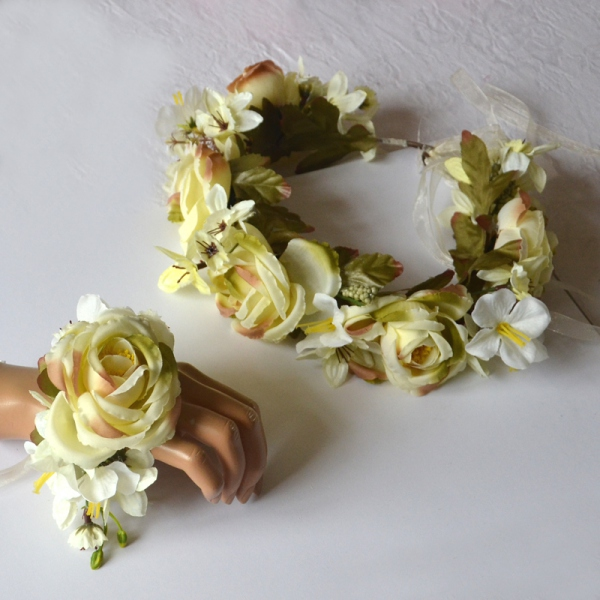 Matching flower crown and bracelet for weddings