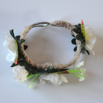 Bracelet with flowers and leaves